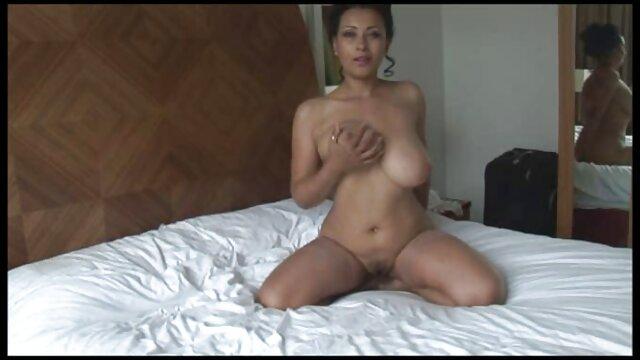 Tir à la maison, poussin aux gros seins baise video x amateur francais gratuit son mari avec un strapon