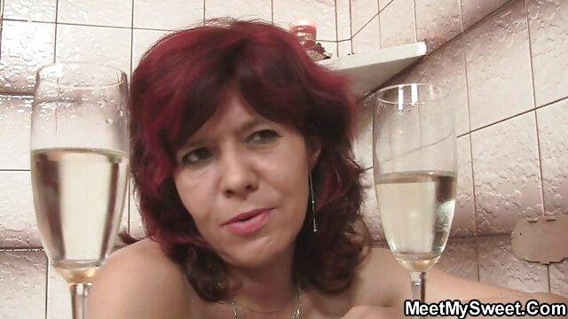 Après film francais amateur x une douche, une blonde aux gros seins baisée avec un jeune beau-fils