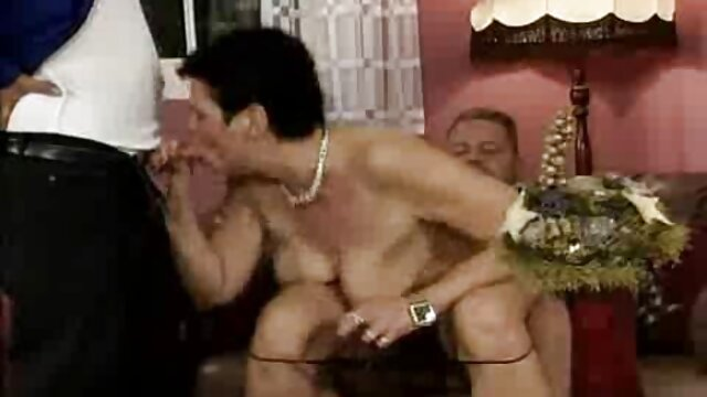 Une beauté mince avec des seins cool et élastiques baise en anal film x amateur en francais