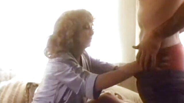 Le mec lèche la chatte humide du bébé rousse et la baise film francais x amateur passionnément