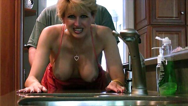 La blonde se fait défoncer à film amateur x français deux bites, il suffit d'écouter ses cris