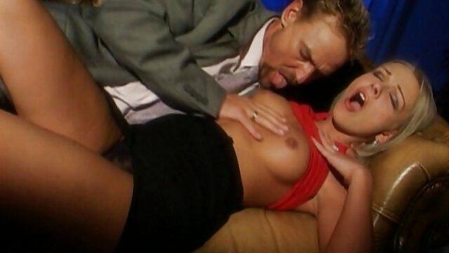 La belle-mère sexy Brett Rossi suce une bite et film porno amateur francais gratuit baise son beau-fils