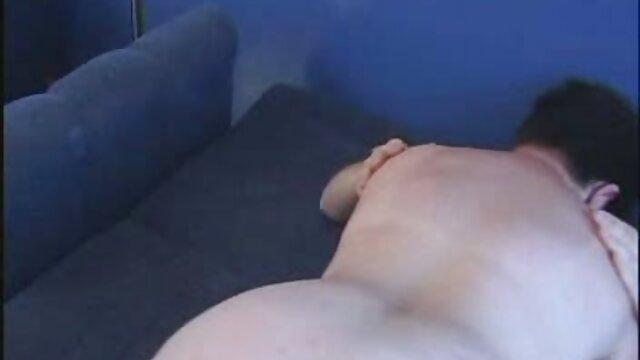 Infirmière rousse salope baise sur film francais x amateur le canapé avec le médecin