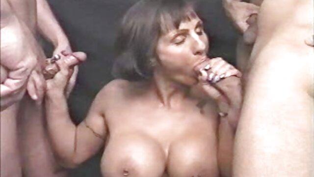 Plantureuse salope se film porno francais amateur gratuit fait éjaculer sur le visage