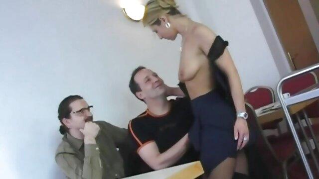 Sexy femme lubrique a persuadé film x francais amateur son beau-fils de la baiser en anal