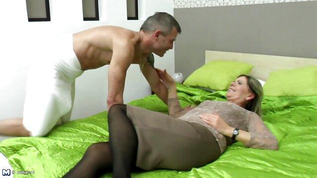 Le docteur et une patiente sexy baisent l'infirmière Susan Ain en film x amateur français gratuit anal
