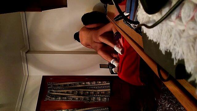 Jolie brune chevauche une bite film francais amateur x en changeant ses trous