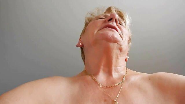 Belle film francais amateur x nana suce une bite et gémit doucement