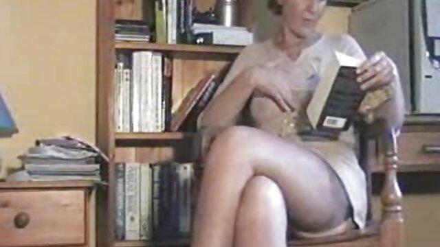 Plantureuse extrait video porno amateur Savannah Fox se fait baiser en anal