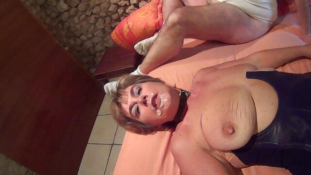 La salope a baisé sa xxx francais amateur copine avec un doigt