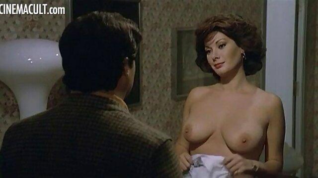 Jeune beau-fils baise maman mature avec des film amateur porno gratuit seins suspendus