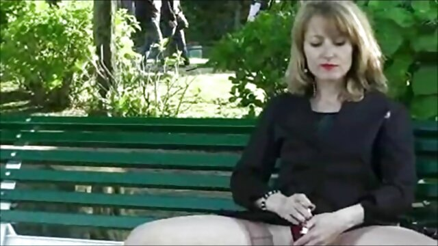 Le médecin lubrique a inséré une machine sexuelle dans la chatte du patient et sa bite dans sa bouche films x et videos amateur en français sans téléchargement