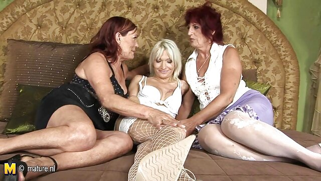 Beau-fils préoccupé avec film x amateur allemand une énorme bite baisée belle-mère aux gros seins