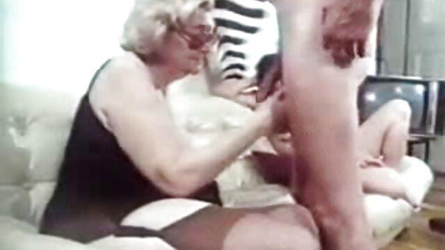 Deux jeunes lesbiennes maigres fisting film porno gratuit amateur passionnément leurs fesses